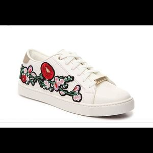 ALDO embroidery sneakers!